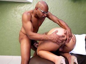 transvestite beauty woman and the bellboy sex